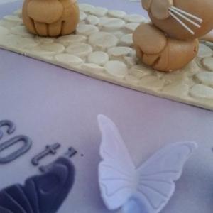 Sugar kittens cake