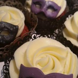 Sugar mask cupcakes