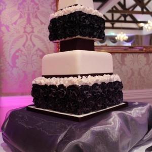 Deep purple ruffle wedding cake