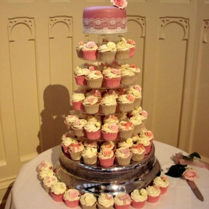 Pink roses and lace cupcakes
