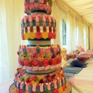 Sweets madly wedding cake